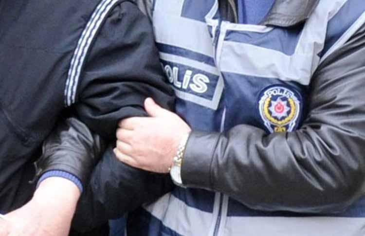 Cezaevi-Firarisi-Polisi-Görünce-Balkondan-Atladı